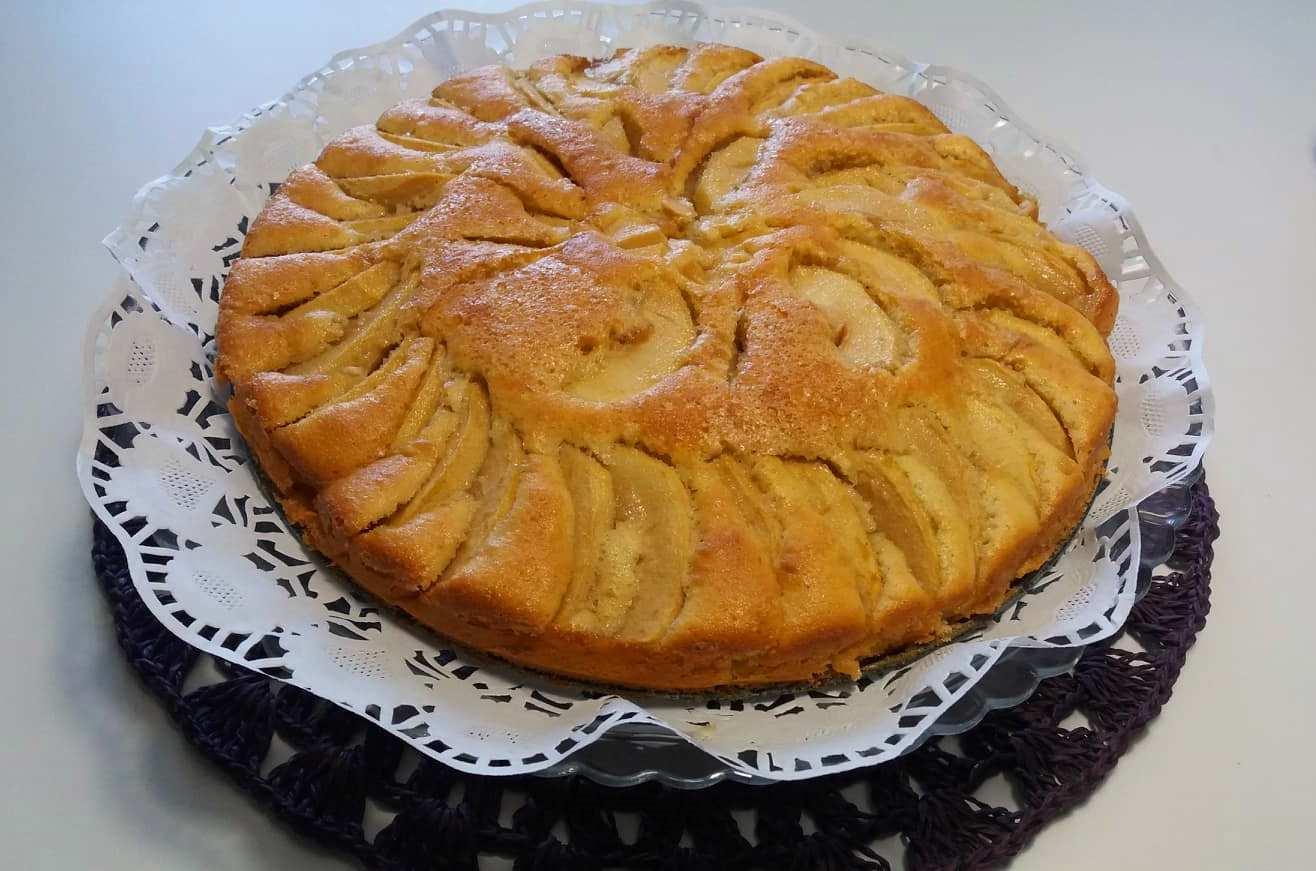 Torta Da Credenza Ricetta : Torta di vino e miele per la gn delle torte da credenza
