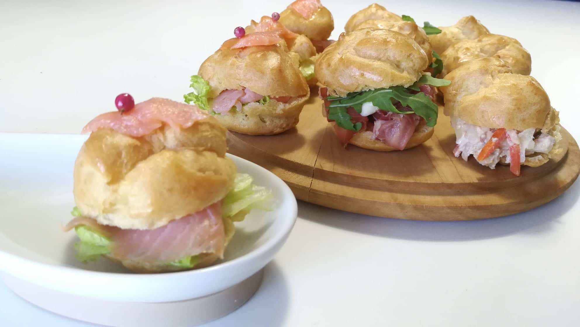 Ricetta Bigne Salati.Bigne Salati Ripieni Antipasti Deliziosi Le Migliori Ricette