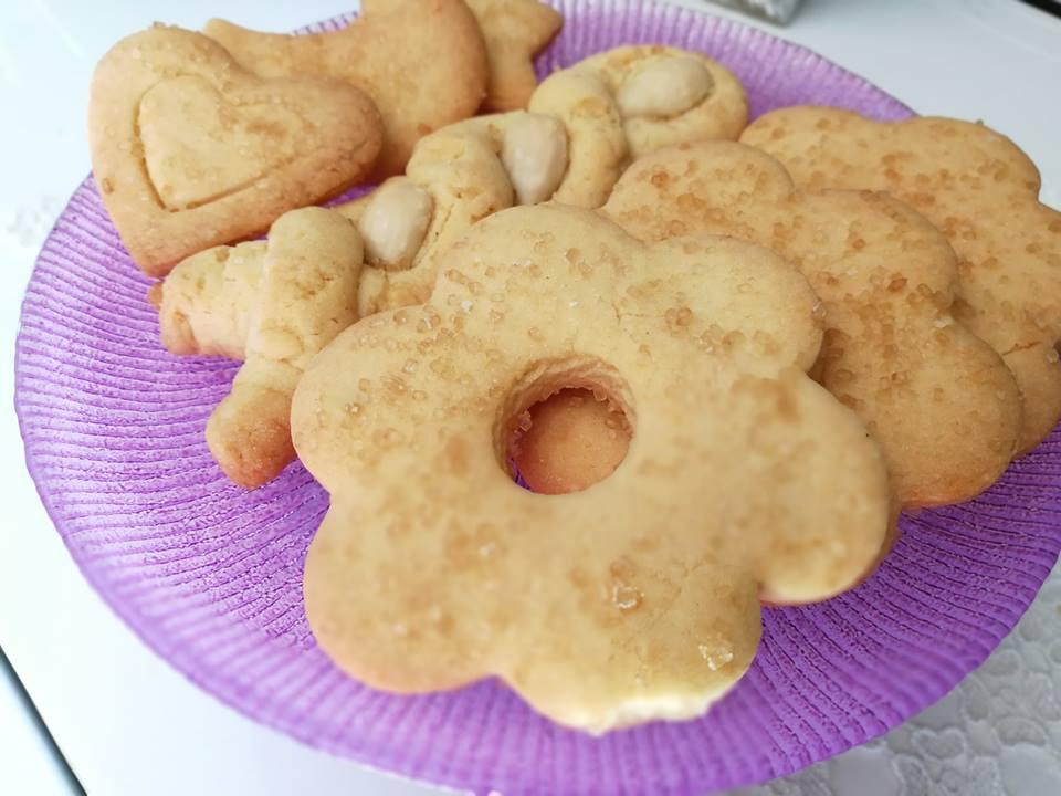 Ricetta Biscotti Semplici.Biscotti Semplici Di Pasta Frolla